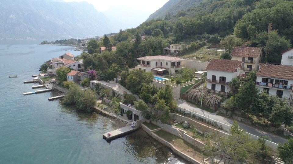 waterfront villa for sale in Boko-Kotor Bay